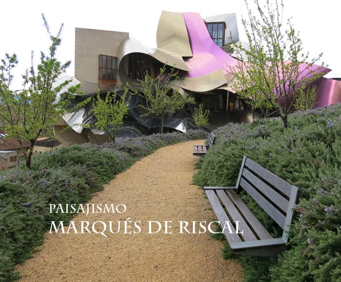 Paisajismo y jardines de las bodegas marqu s de riscal for Bodegas de jardin chile
